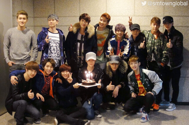 [NEWS] EXO with Super ...